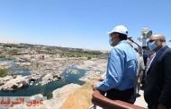 رئيس الوزراء يتفقد أعمال تطوير السوق السياحى بأسوان
