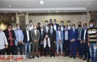 وزير الشباب والرياضة يلتقي بمجموعة شباب من محافظة الشرقية