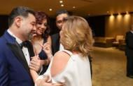 """""""إلهام شاهين"""": تهنئ شقيقها ب حفل زفافه."""