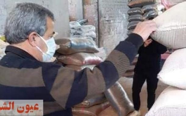 ضبط ٣٠ طن خامات مجهولة المصدر داخل مصنع بدون ترخيص في حملة تموينية بمركز أولاد صقر