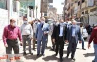 محافظ الشرقية ورئيس مركز ومدينة بلبيس في جولة تفقدية سيراً علي الأقدام بشوارع المدينة
