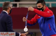 لاعب إيراني يهدي ميدالية فضية لإسرائيل