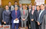 رئيس جامعة الزقازيق يستقبل وزير التعليم العالي السابق خلال فعاليات ختام البرنامج التدريبي الموحد لإعداد القيادات الجامعية