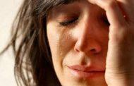 أبرز الخطوات الفعّالة لإصلاح المكياج بعد البكاء