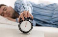 في إستطلاع رأي «بتنام كام ساعة في اليوم؟»..شاب شرقاوي: «بنام لحد ما أهلي يفتكروا اني مت».. وأخر: «لحد ما النوم يقولي زهقت منك»