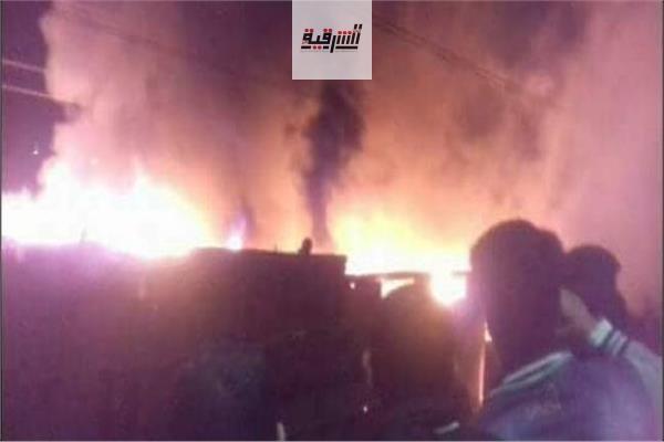 إصابة 9 أشخاص بإختناق في حريق مخزنين بالشرقية