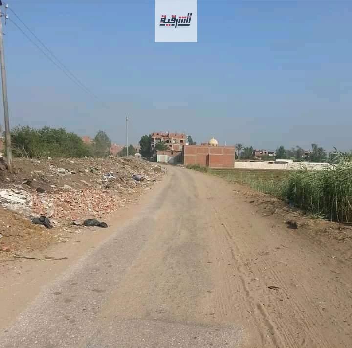 تحول طريق منيا القمح شبين القناطر لمقبرة للمواطنين