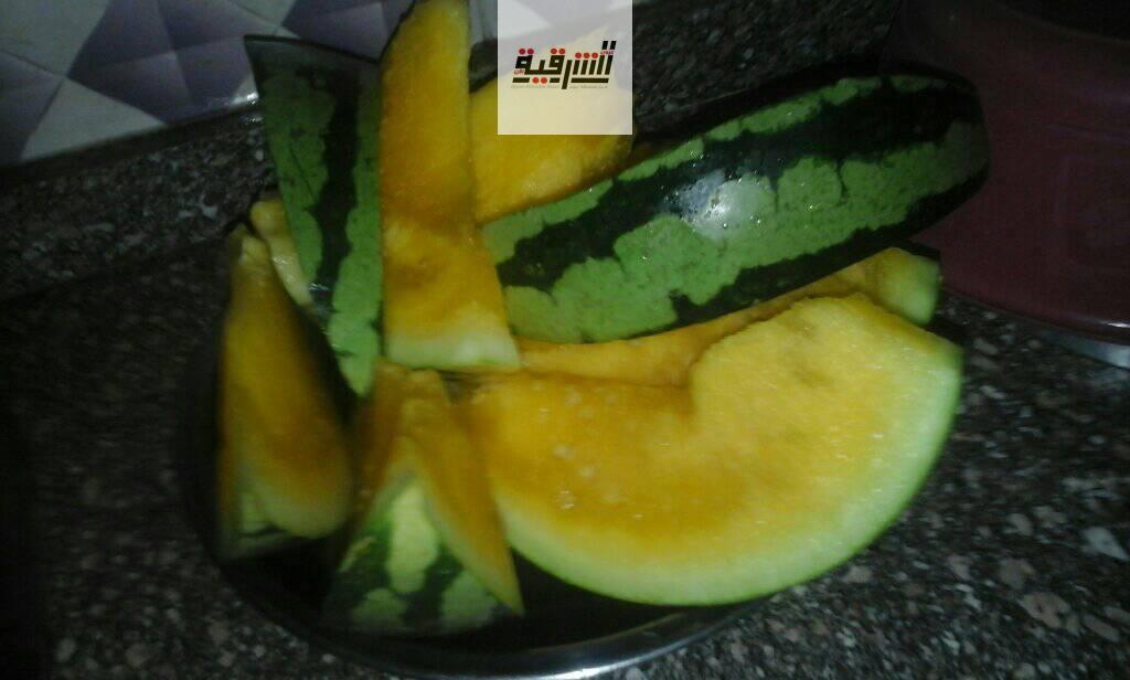 البطيخ  اصبح اصفر مش احمر كلمعتاد - اخضر من الخارج واصفر من الداخل - حقيقة مش هزار