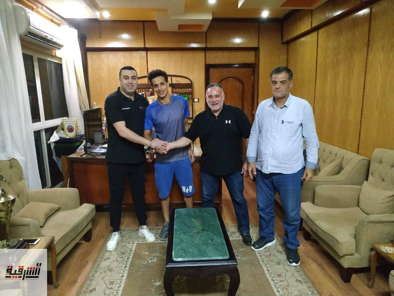 الشرقية يضم المدافع محمود صلاح موسمين في صفقة انتقال حر (صور)