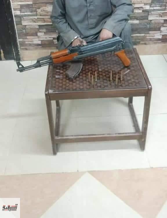 سقوط عاطل بندر مشتول السوق فى قبضة المباحث بحوزته سلاح نارى