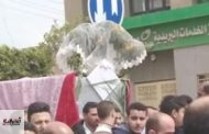 تشييع جثمان عروس توفيت بالفستان الأبيض أثناء حفل زفافها بههيا
