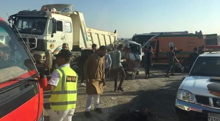تصادم سيارتين و وقوع ضحايا ومصابين بطريق بلبيس/ العاشر من رمضان
